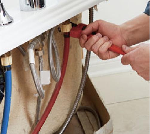 電気・給排水既存管の切り回し